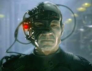 Picard_as_Locutus. Assimilation. At være sær er at være dig