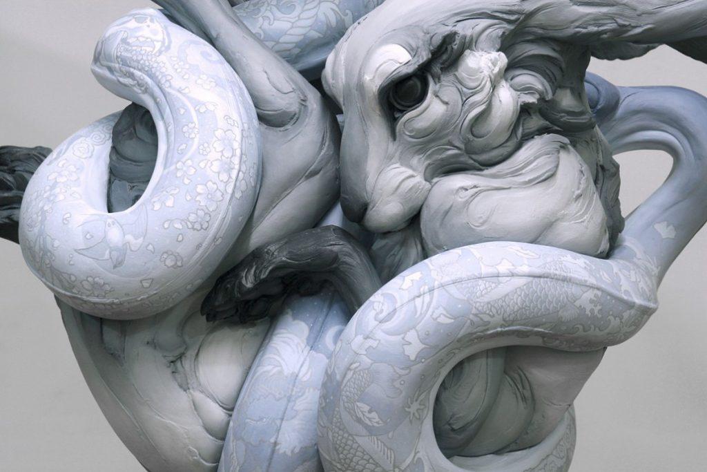 'Tangled Up In You', skulptur af Beth Cavener